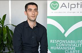 Alptis recrute : découvrez le témoignage de Julien, gestionnaire en assurances