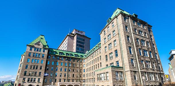 Expatriation au Québec : Une hospitalisation avec chirurgie au Québec peut coûter jusqu'à 3000$ CAN/j