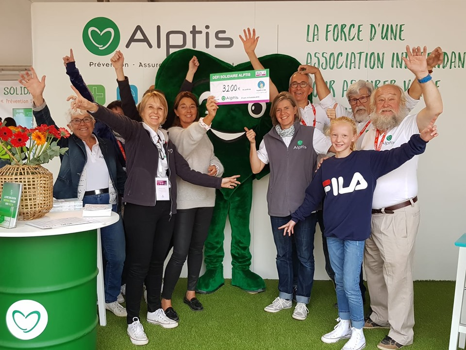 Run In Lyon 2019 : Alptis remet 3200€ à l'association le Petit Monde