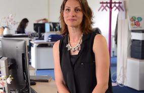 Alptis recrute : découvrez le témoignage de Stéphanie, gestionnaire de sinistres en prestations prévoyance